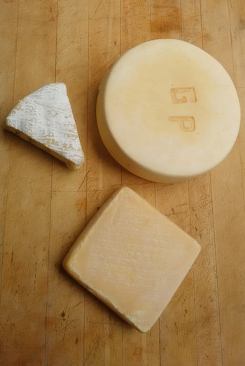 3 cheeses upright